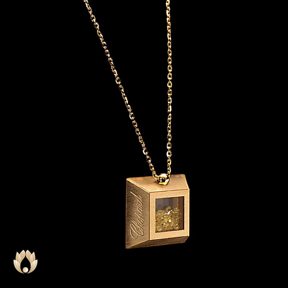 گردنبند طلا شوپارد مربع زرد