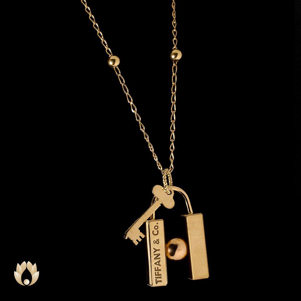 گردنبند طلا طرح قفل H و کلید