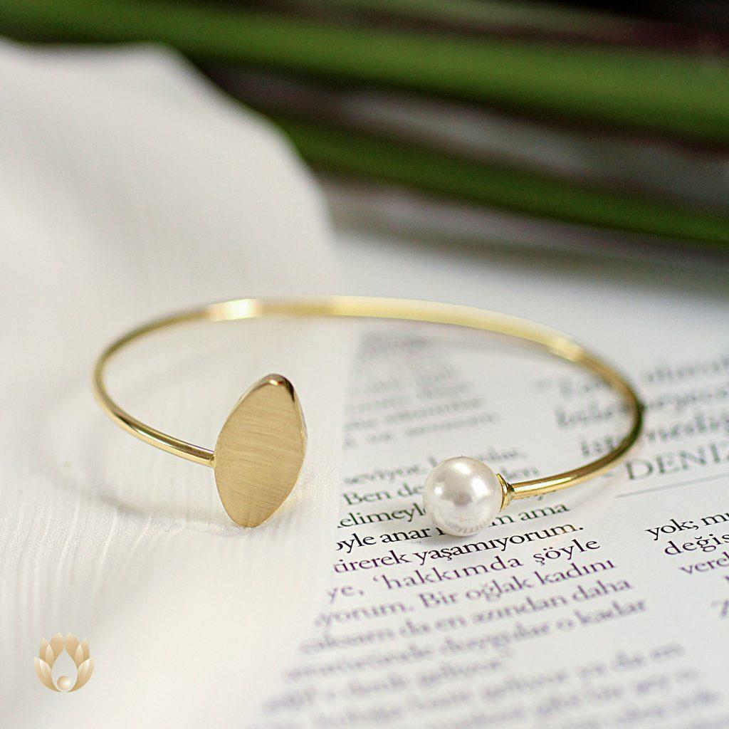 انواع دستبند چیست؟
